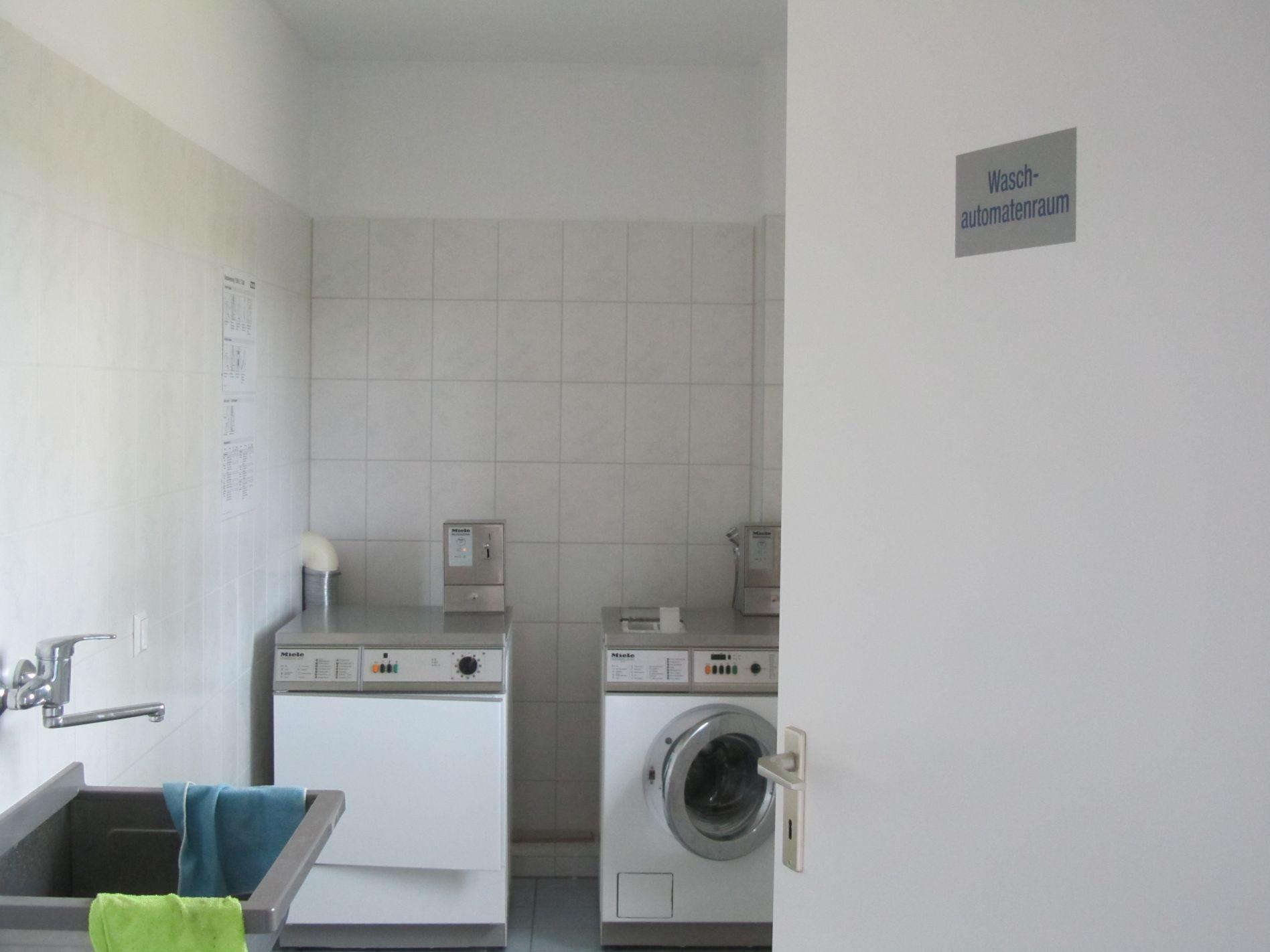 Waschmaschine und Trockner in Kienitz