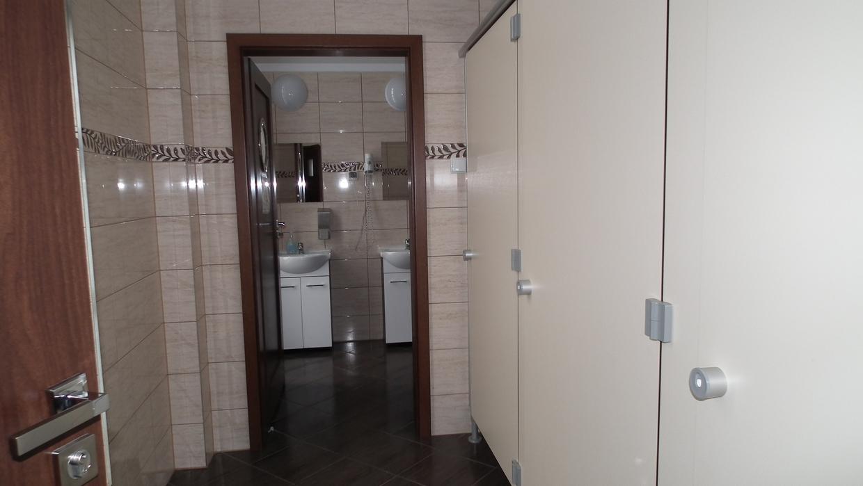 super sauberer Duschraum Wolin