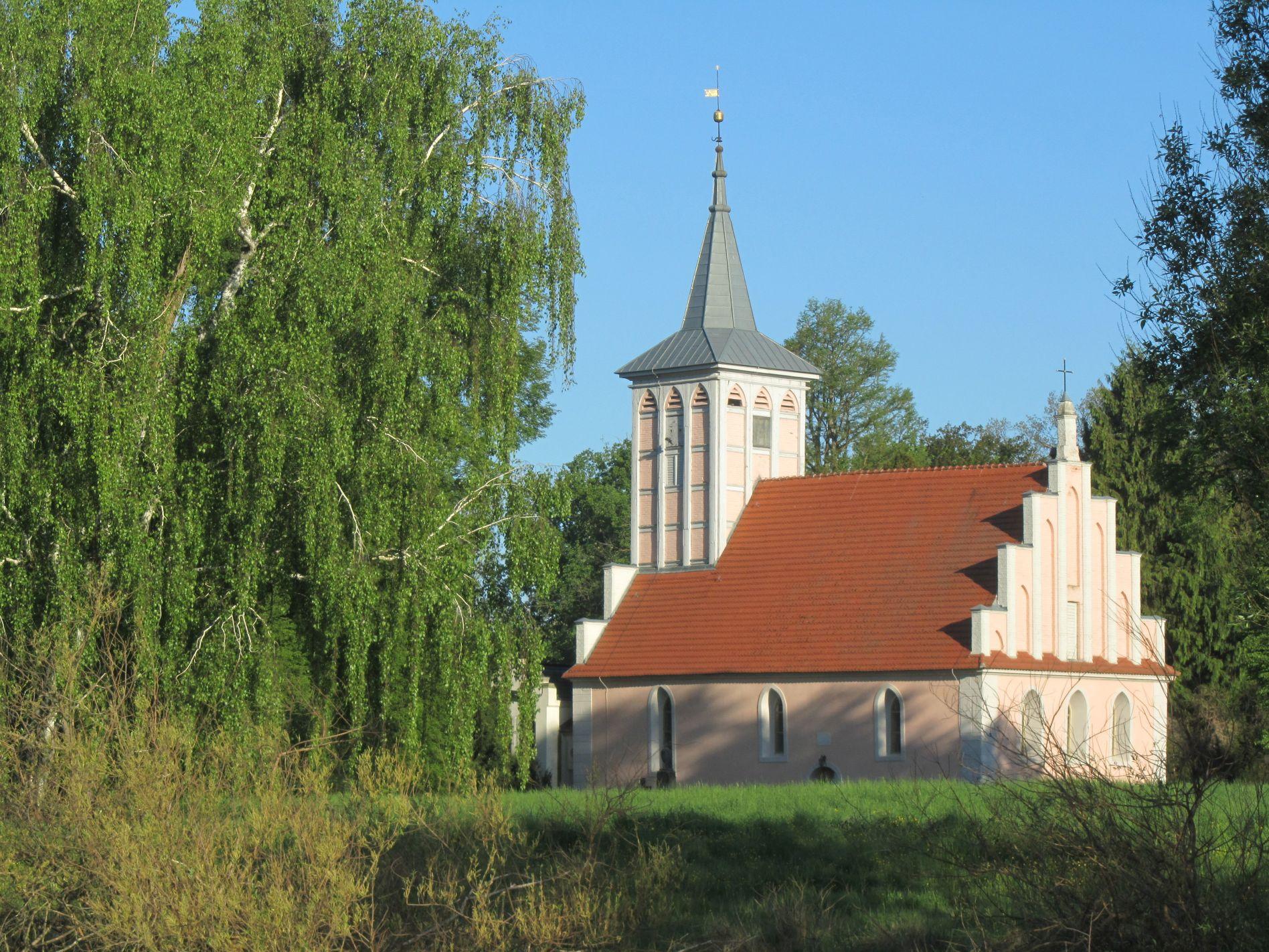 Criewener Kirche im Lenné-Park