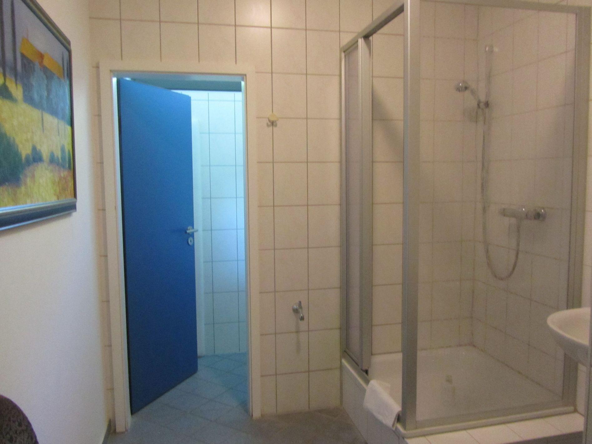 Badezimmer für Gastanleger in Fürstenwalde