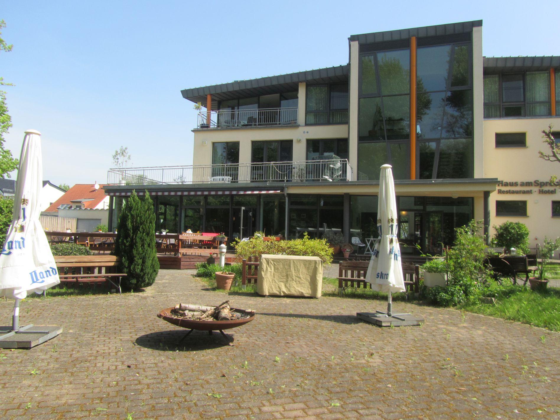 Haus am Spreebogen   Anleger am Spree-Oder-Kanal