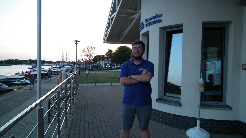 superfreundlicher Hafenmeister im Saisonhafen Dievenow