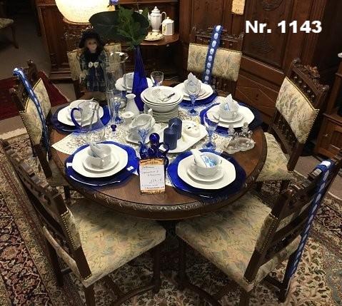Tisch mit 6 Stühlen Holz: Eiche, um 1920 - H: 70 B: 125 T: 100 - reis: 1.400 €