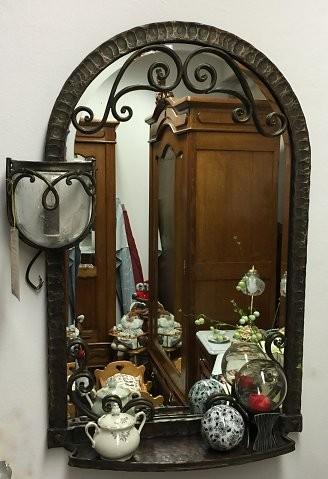 Spiegel mit handgeschmiedetem Rahmen, um 1930 - H: 100 B: 70 T: 17