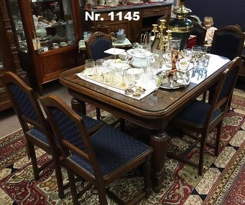 Ausziehtisch mit 6 Stühlen (neu bezogen), aus Eiche, um 1900 - H: 80 B: 130 T: 100 - Preis: 2.000 €