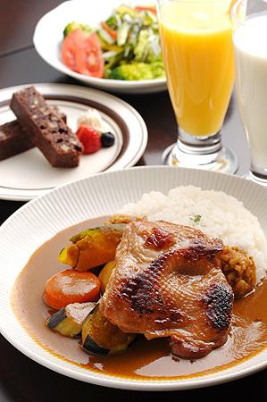 (写真) チキン&野菜カレー  スペシャルセット (サラダ・ドリンク・デザート付き)