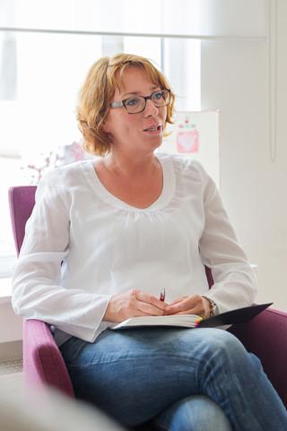 Petra Kölln bei der Patchworkberatung
