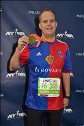 stolzer Finisher im Ziel beim NYC Marathon