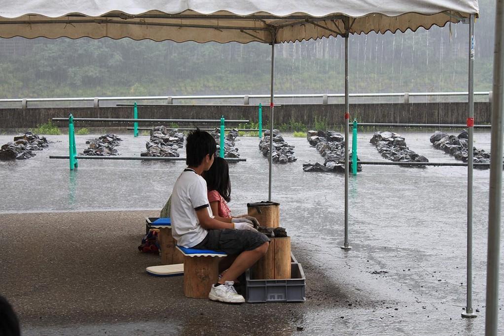 12時のチャイムと同時に大雨。手取川も濁流になりました。