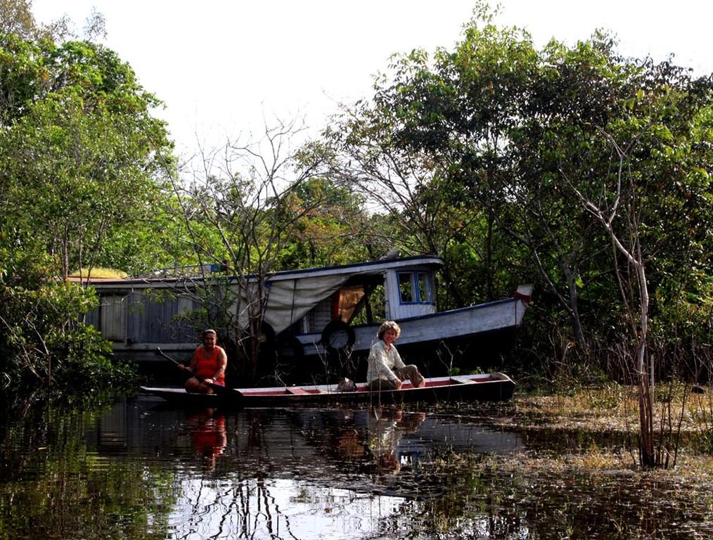 Das ist das Boot der Neonfischer.