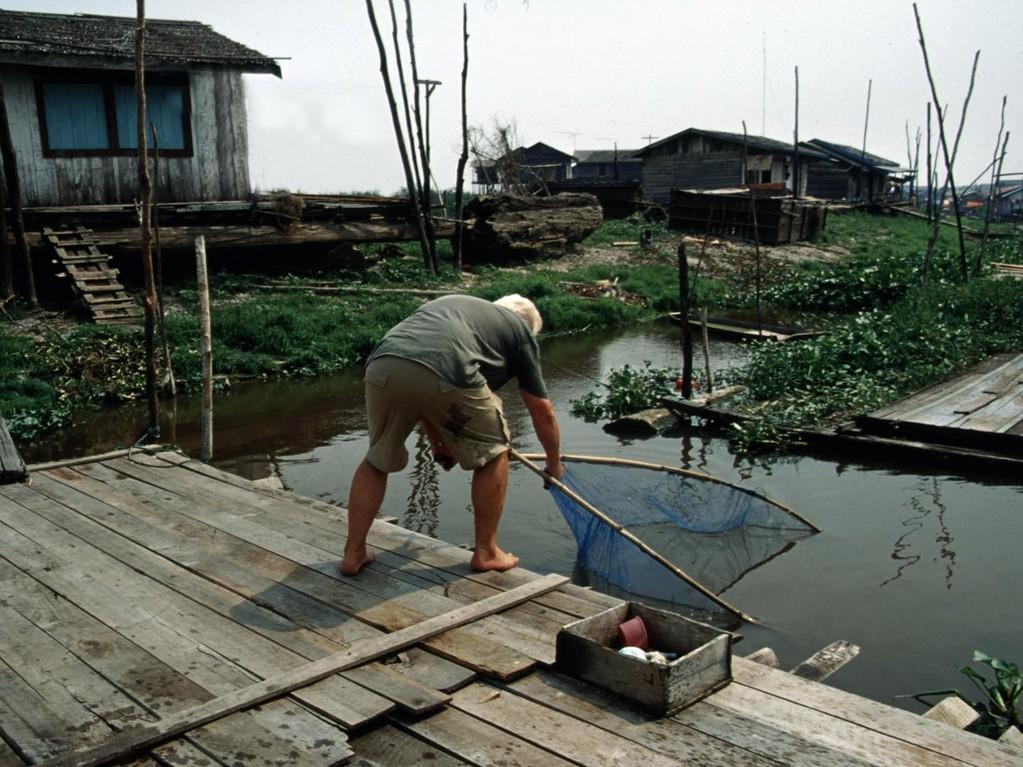 Fischfang im Semayang-Dorf.
