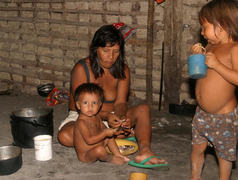 Die Hauptnahrung besteht aus Fisch und Maniokmehl (Fainha).