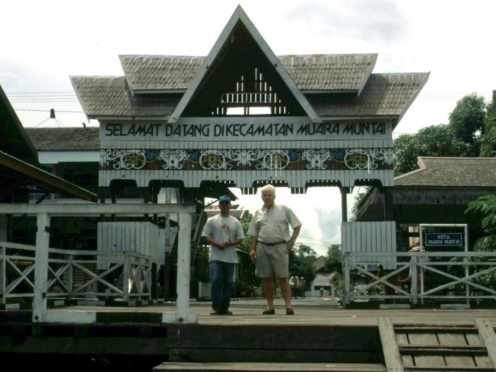 In Mura Muntai ließen wir unser Hausboot stehen und machten von dort aus mit einem Kanu mehrere Tagesausflüge zu den Fanggebieten in den Seen der Umgebung.