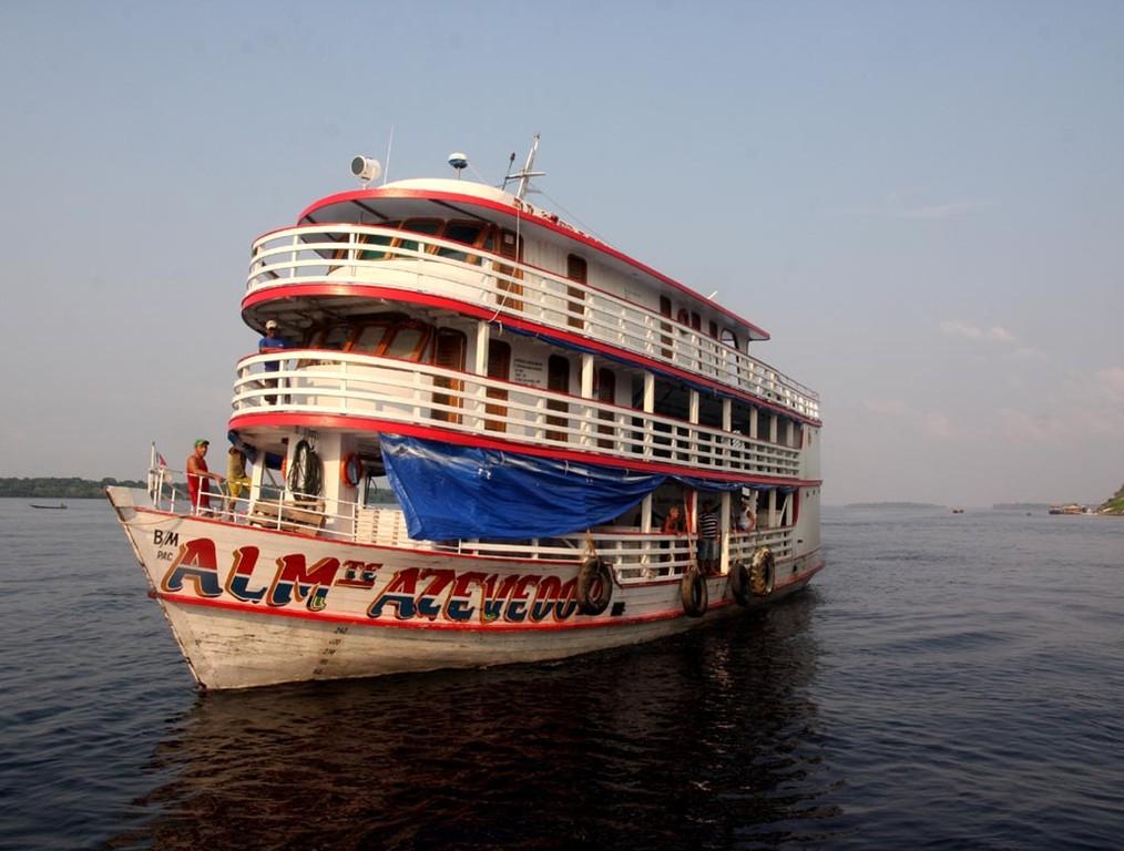 Pünktlich um 17 Uhr abends kam das große Schiff an.