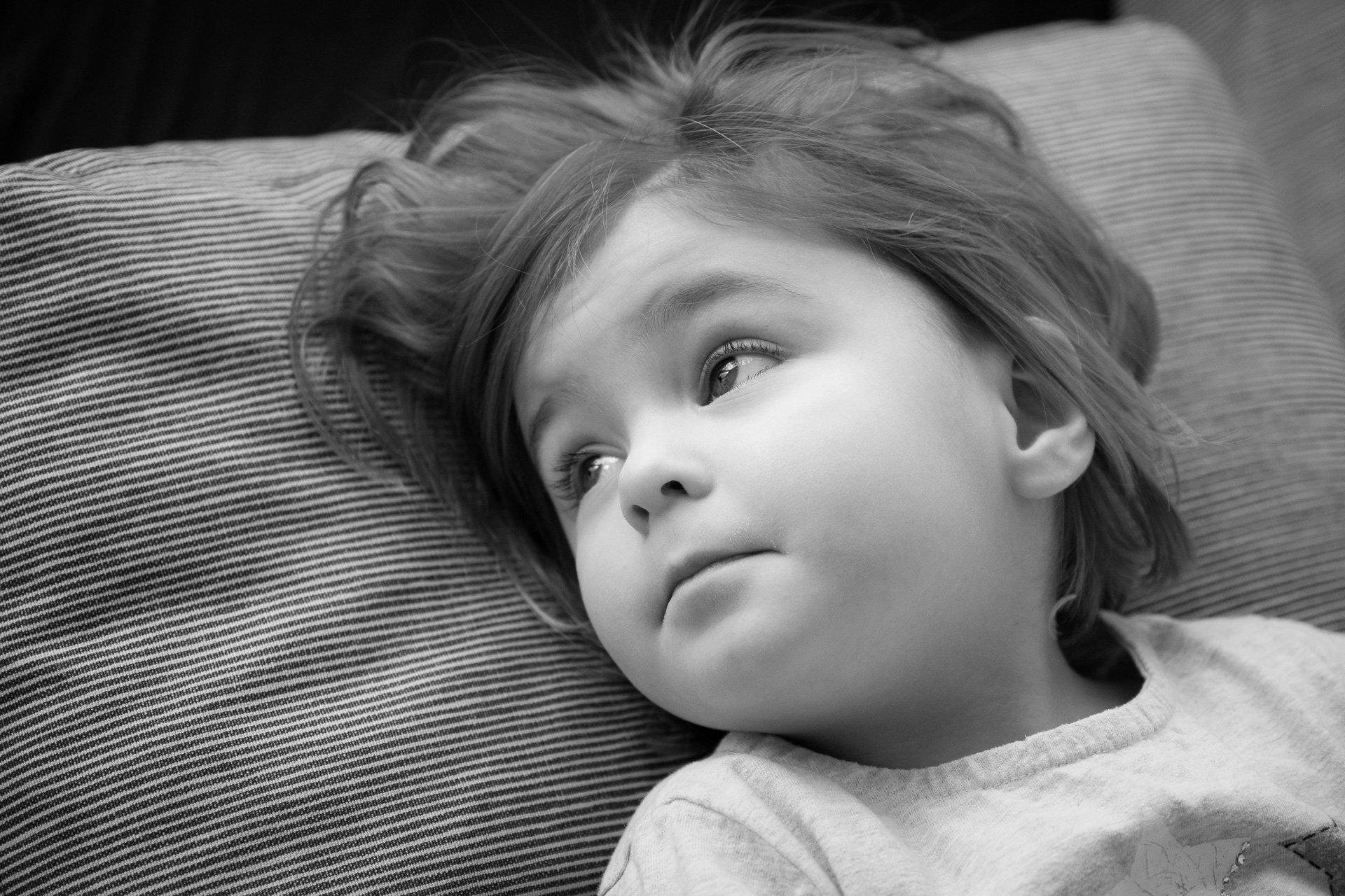 Kind schwarz weiß Portrait Esslingen