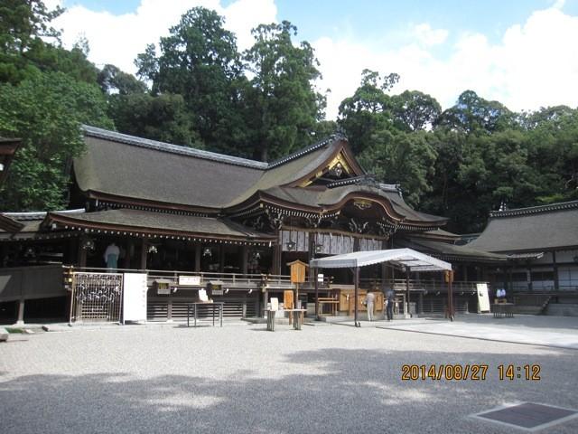 大神神社の境内。