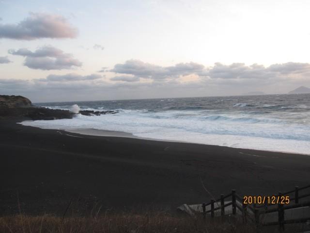 「砂の浜」と呼ばれる海岸の、