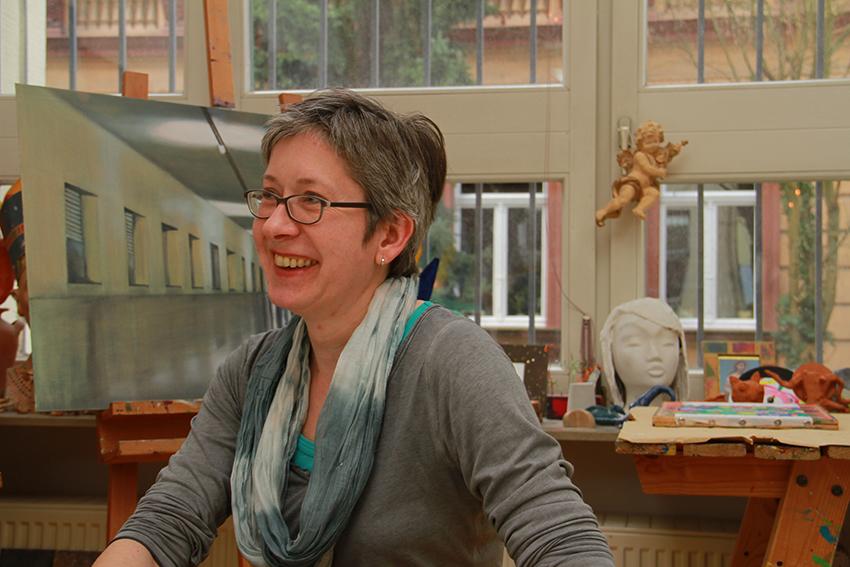 Gabriele Bieck in ihrer Kunstschule
