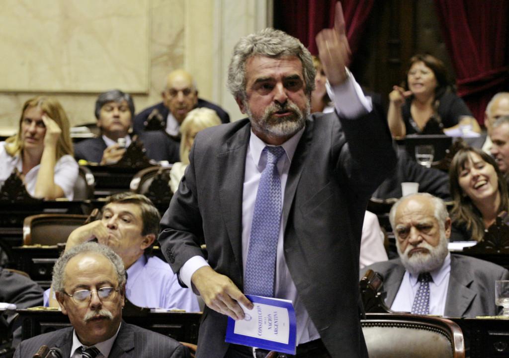 Agustín Rossi diputado presidente del bloque Frente para la Victoria debate ley 125