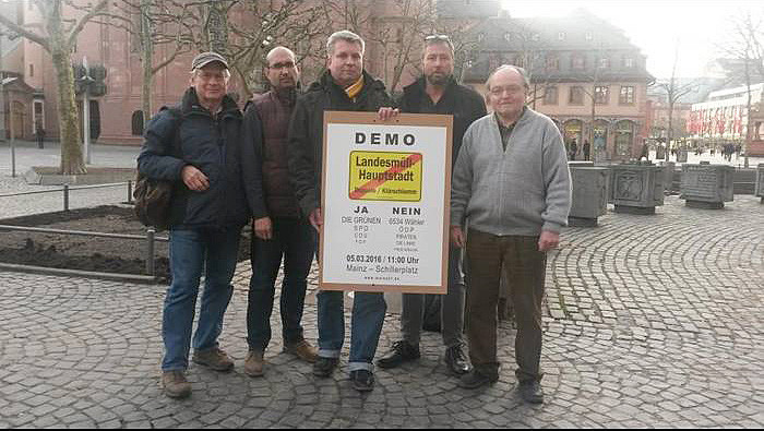Sie wollen zusammen demonstrieren (v.l.): Peter Kossok, Antonio Sommese, Ralf Gerz, Robert Kindl und Hans Pracht. Foto: Carina Schmidt