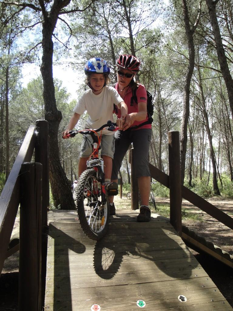 Sortie scolaire Vélo au parc de Bessilles: initiation sur modules bois -Ozone