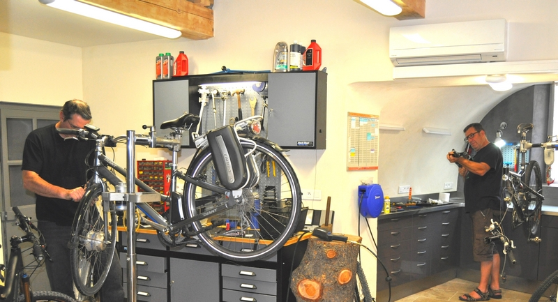 repair bike shop clermont l herault 34 Hire a bike in south of France Bike tour