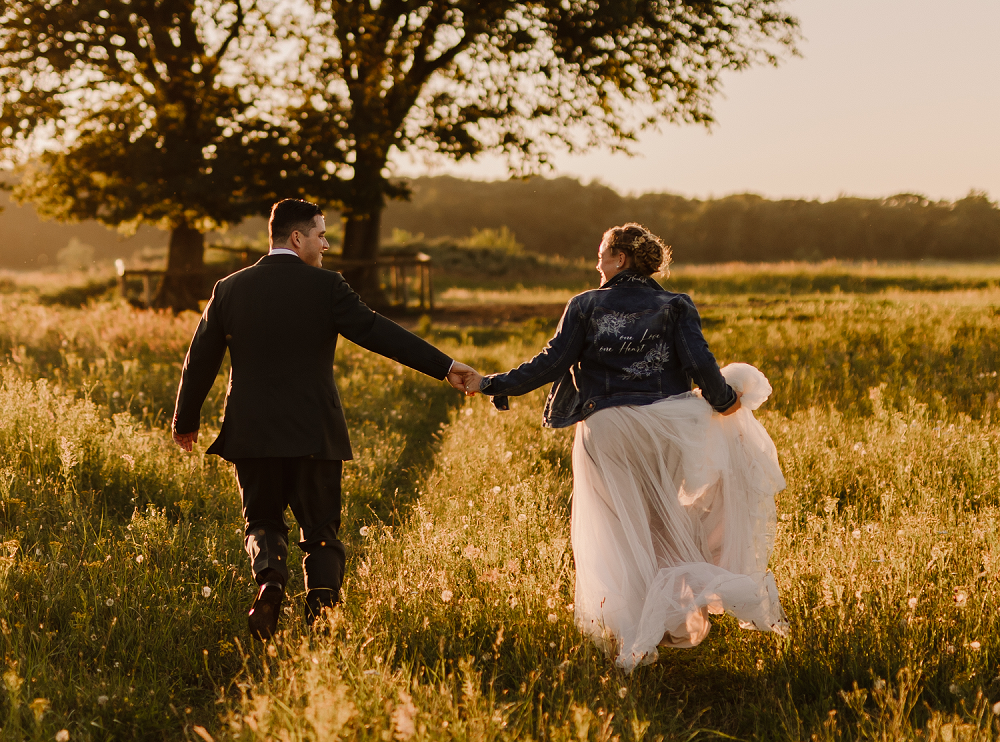 avondtrouwfeest trouwjasje voor moderne hippe bruid kunst