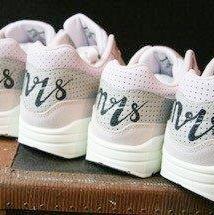sneakers met mrs
