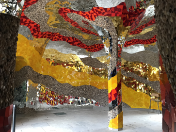 Mosaik von Niki de St. Phalle
