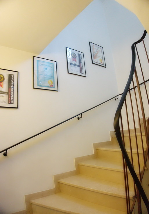 Die Treppe zum Traniingsbereich der TOWASAN Karate Schule Muenchen