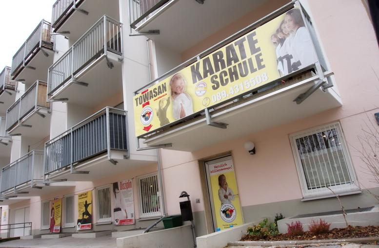 Der Eingangsbereich in die TOWASAN Karate Schule München