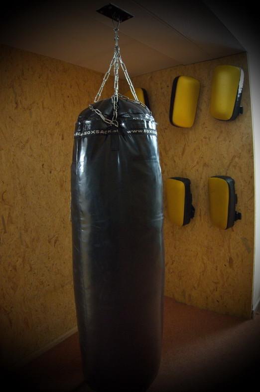 Sandsäcke sind ein beliebtes Equipment in der TOWASAN Karate Schule München