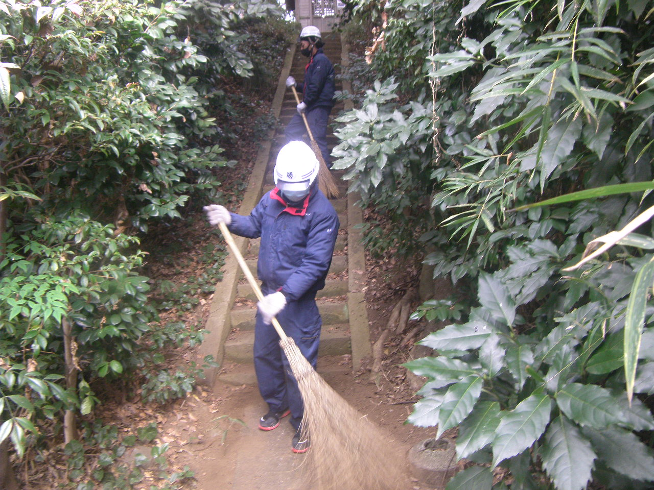 白笹神社の清掃をしました