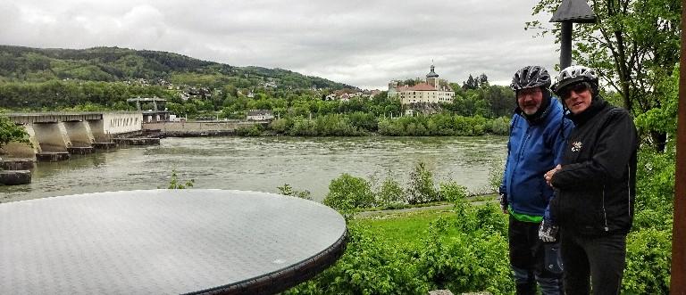 Kraftwerk Ybbs und Schloss Persenbeug