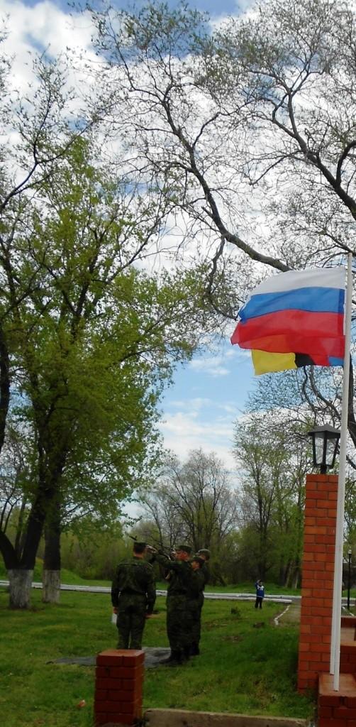 Залпы в честь Дня Победы, в честь ветеранов войны, в честь погибших в Великой Отечественной войне