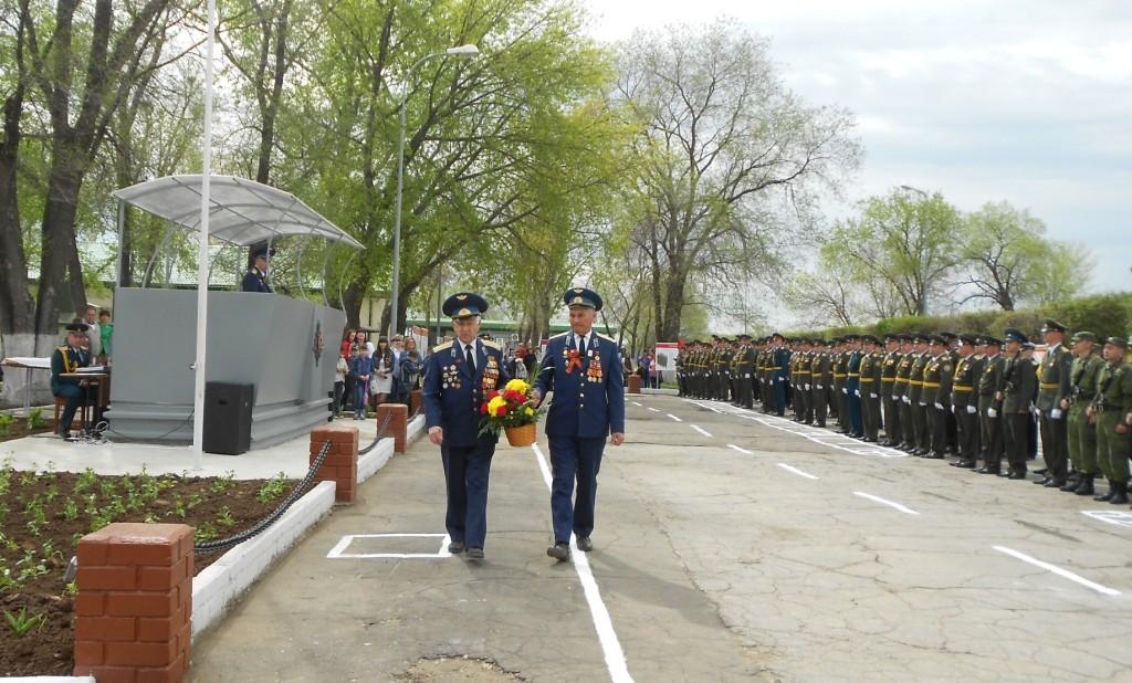 Ветераны Вооруженных сил гвардии полковник Федяев Е.И., подполковник Гареев Ф.А.