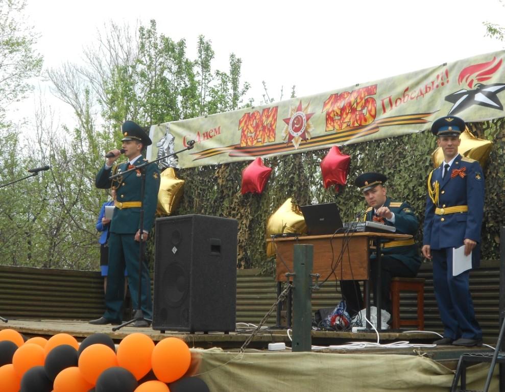 Поёт Кичатов Евгений Игоревич- теперь это наш боевой друг и наставник!