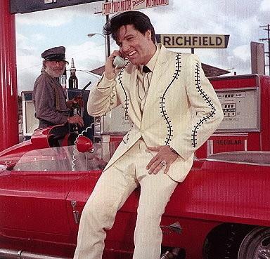 "Elvis im Film ""Clambake""."