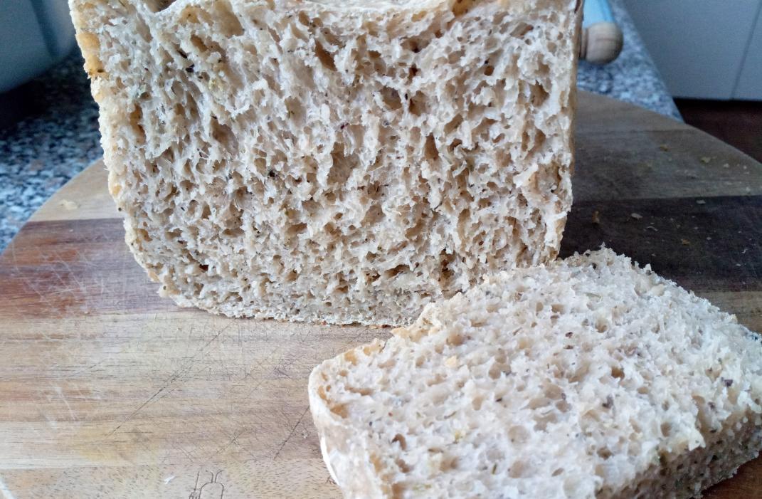 griechische Kräuter für ein herzhaftes Brot