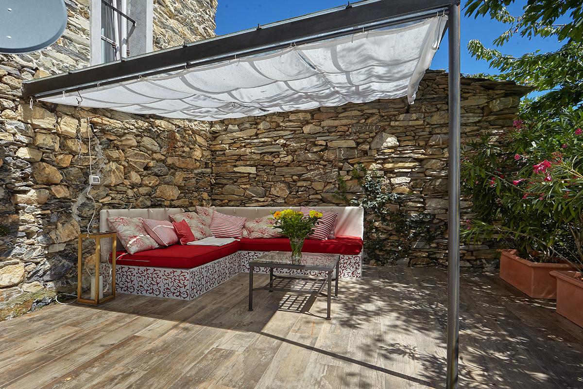 Ferienhaus in rezzo imperia dolcevita liguria for Garten 2 ebenen