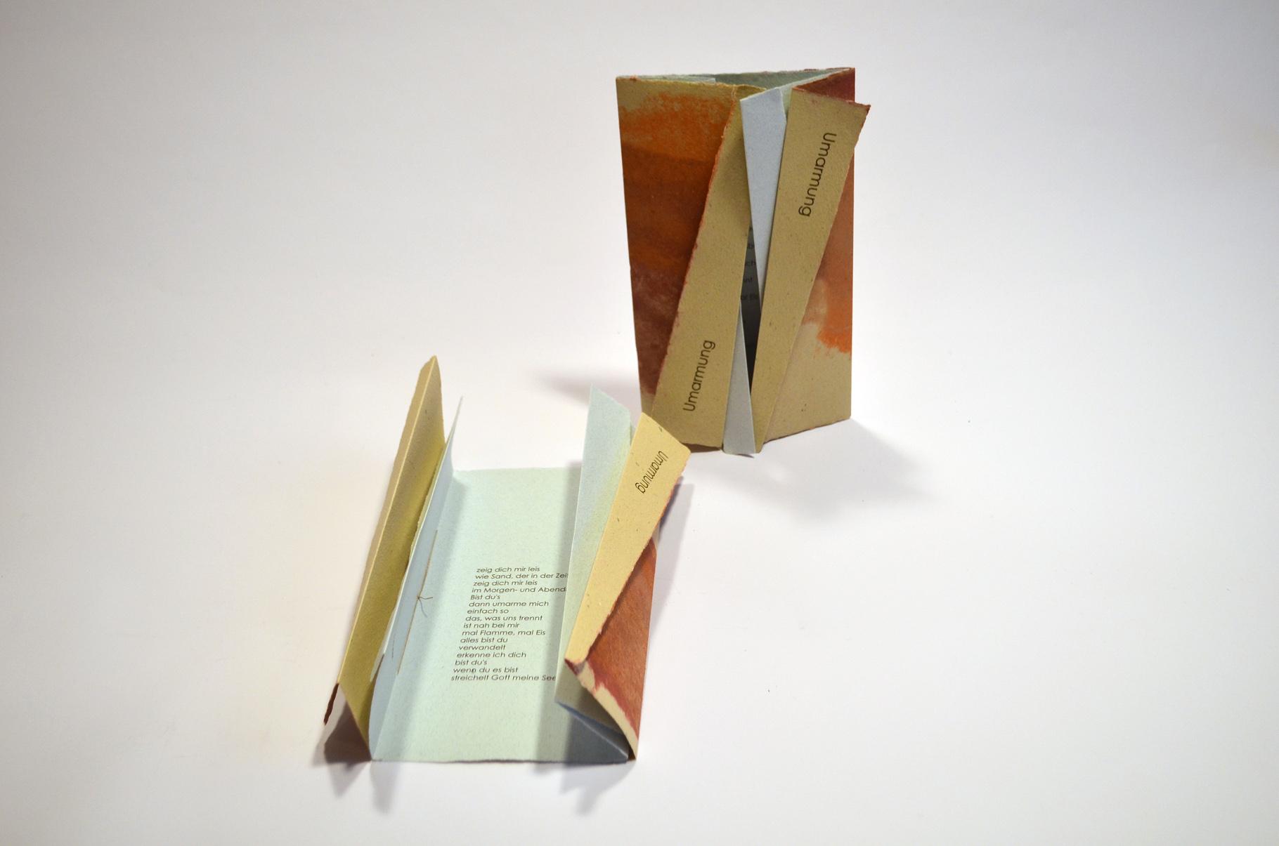 """""""Umarmung"""" (2016) - Ein Heft, gestaltet von John Gerard mit einem Gedicht von Marita Hansdorfer"""