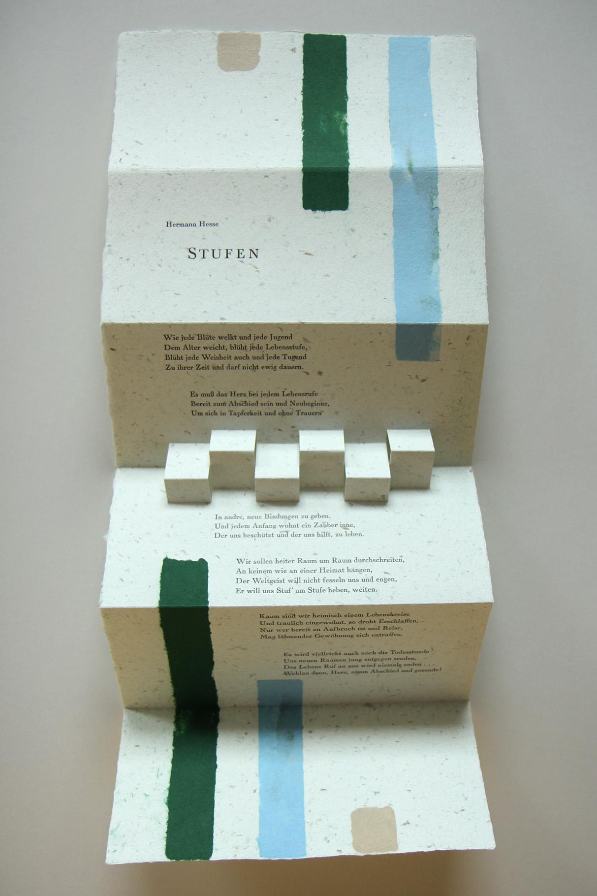 """""""Stufen"""" (Neuauflage in Grün-Blau-Beige 2020) - Ein Heft, gestaltet von John Gerard mit einem Gedicht von Hermann Hesse"""