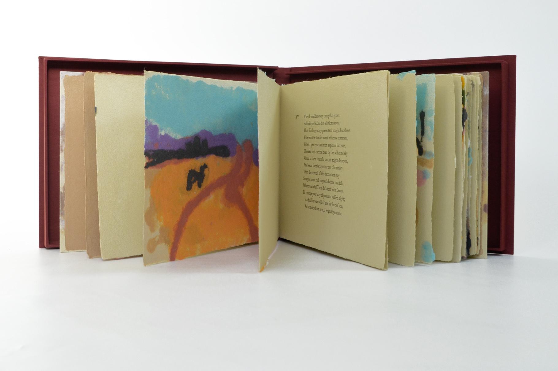 """""""Colours of the Spirit"""" (2000) - Ein Künstlerbuch mit Papiergüssen von Prof. Mary Beth Schmidt Fogarty und 16 Sonetten von William Shakespeare, hergestellt in Zusammenarbeit mit John Gerard"""