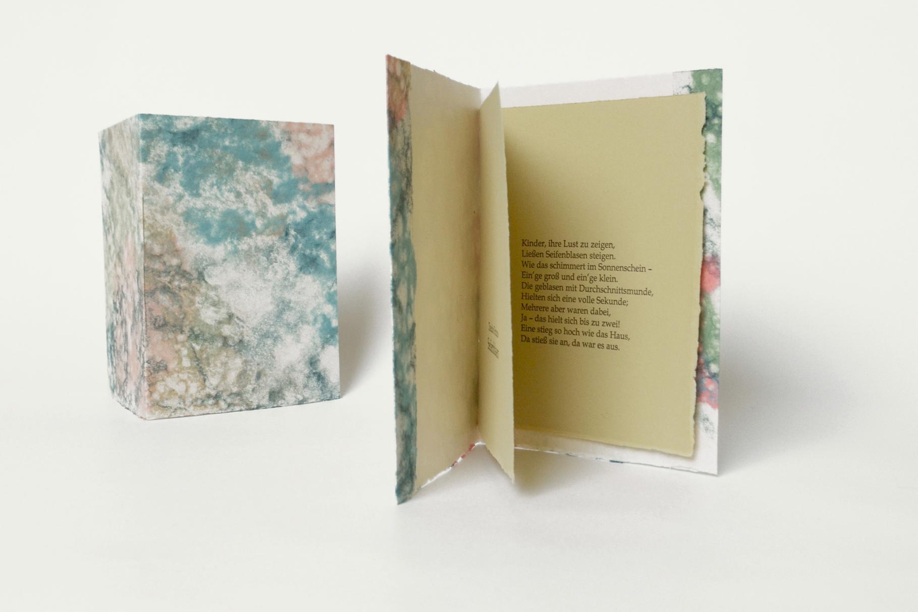 """""""Seifenblasen"""" (2013) - Ein Heft, gestaltet von John Gerard mit einem Gedicht von Theodor Fontane"""
