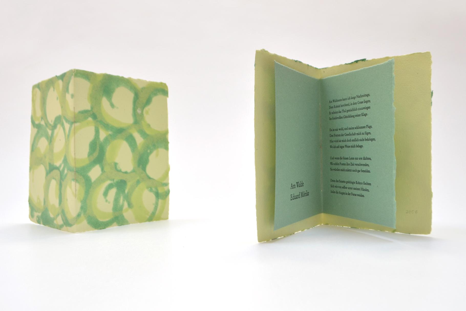 """""""Am Walde"""" (2006) - Ein Heft, gestaltet von John Gerard mit einem Gedicht von Eduard Mörike"""