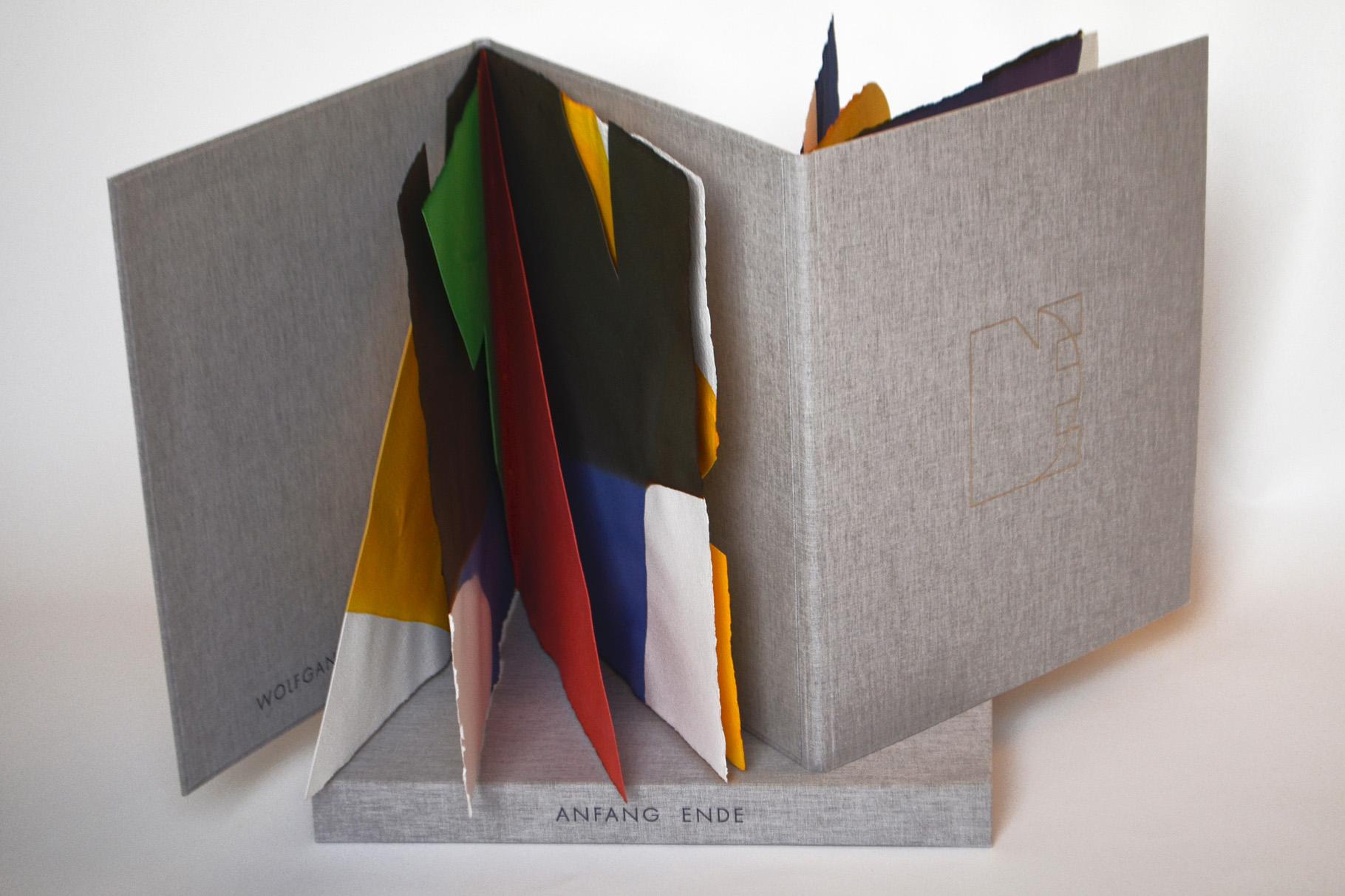 """""""Anfang Ende"""" (2010) - Ein Künstlerbuch von Wolfgang Heuwinkel, hergestellt in Zusammenarbeit mit John Gerard"""