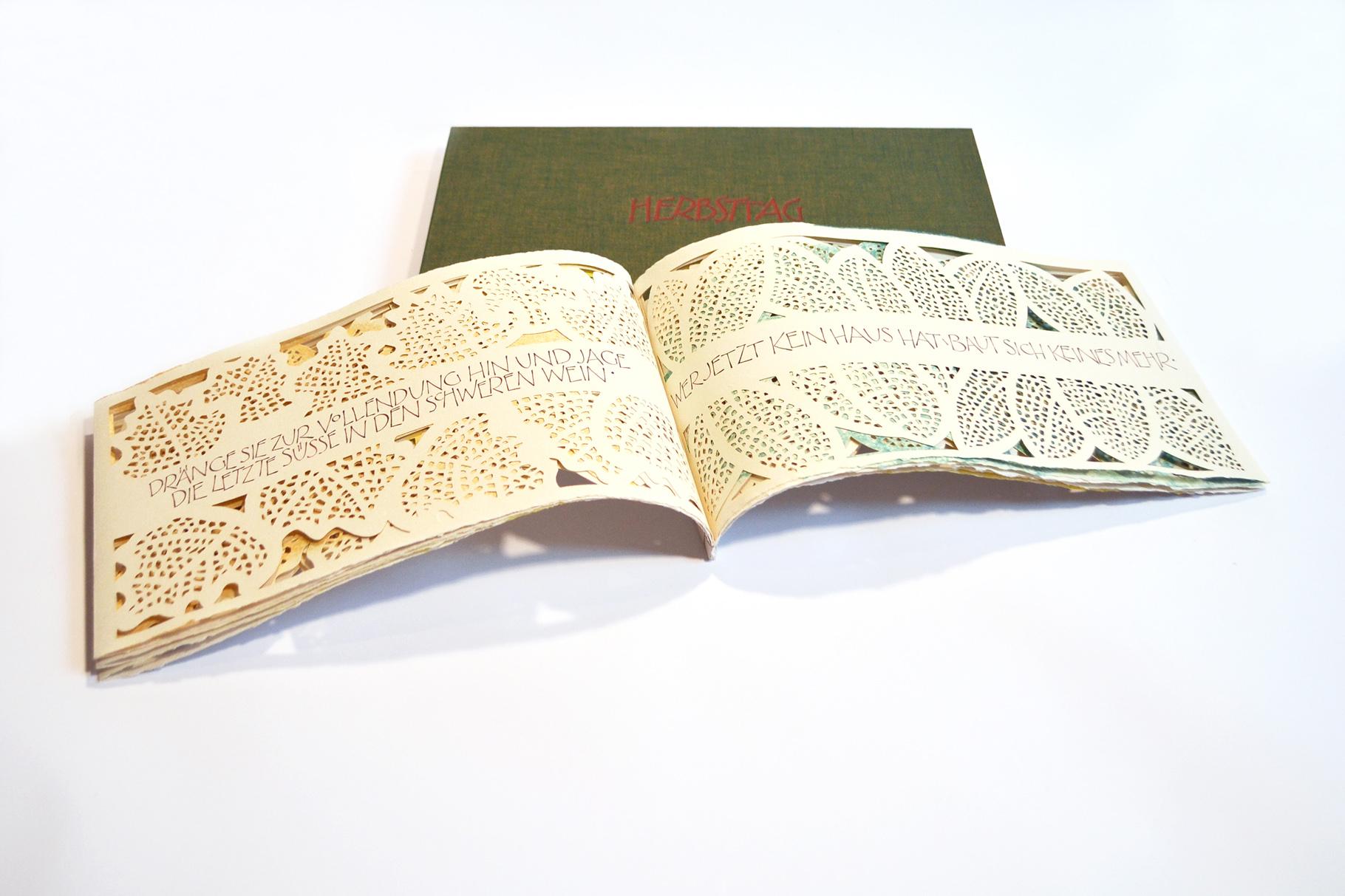 """""""Herbsttag"""" (2016) - Ein Künstlerbuch von John Gerard mit Scherenschnitten von Marion Grimm-Kirchner und einem Gedicht von R. M. Rilke"""