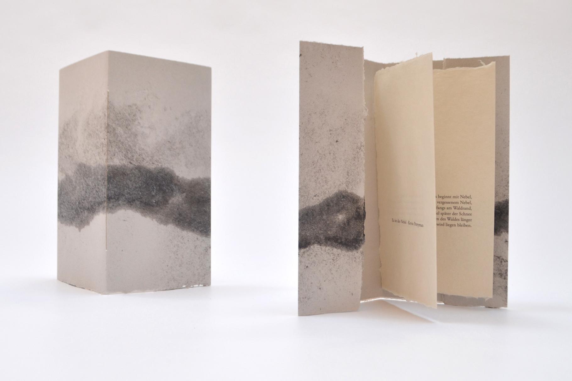 """""""Es ist der Nebel"""" (2015) - Ein Heft, gestaltet von John Gerard mit einem Gedicht von Kevin Perryman"""