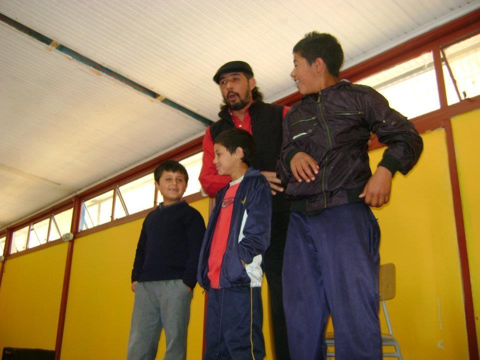 """En escuela durante el festival """"Valparaíso es un cuento"""" 2011"""