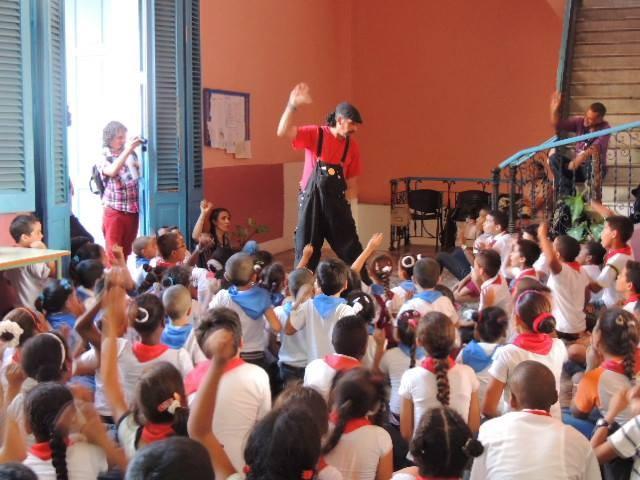 Contando en un colegio de La Habana. Una fiesta